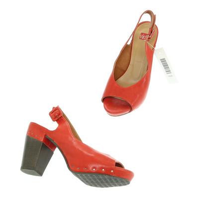 Vialis piros magassarkú szandálcipő