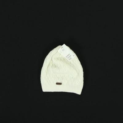 H&M fehér finomkötött sapka